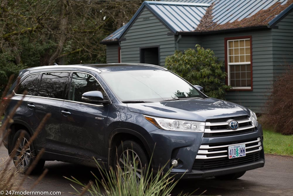 Visiting Sue's house during my Toyota Highlander Review