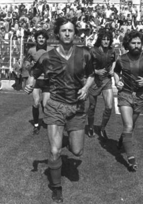 cruyff-levante-ud-black-and-white