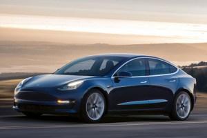 Musk declara ca Tesla Model 3 poate functiona 1,6 milioane km fara revizii