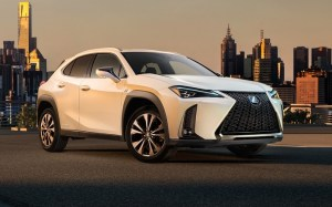 Lexus dezvaluie noul sau crossover urban UX