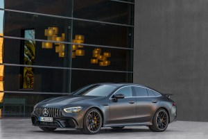 Mercedes-AMG GT Coupe in 4 usi – uimitor!
