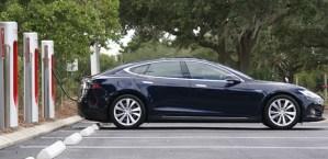 """Cursa pentru """"viitorul Tesla"""" are nevoie de talent si experienta"""