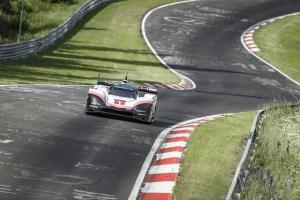Porsche si-a spulberat propriul record istoric, pe Nürburgring!