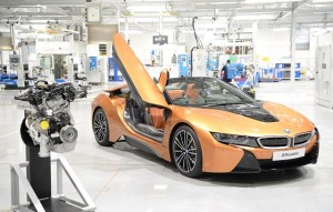 Uzina de motoare a BMW Group creste ritmul pentru noul BMW i8 Roadster