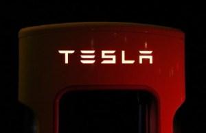 Valoarea actiunilor Tesla a crescut cu 2.000%, dupa 8 ani de la cotarea pe bursa