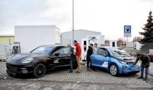 Porsche si BMW testeaza o statie de incarcare rapida: 3 minute pentru 100 km