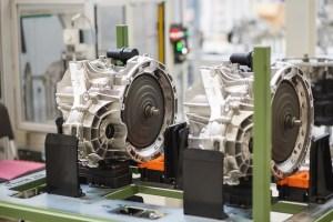 Daimler isi extinde productia la Sebes, cu noua cutie de viteze 8G-DCT