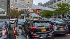 "New York inregistreaza cheltuieli ""dramatic mai mici"" cu parcul auto electric, in 2018"