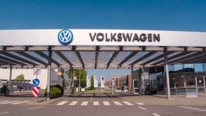 """Bilanț Volkswagen: vânzări record în 2019, dar pragul celor 11 milioane de unități a fost ratat """"la mustață"""""""