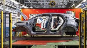Piața auto europeană va înregistra o scădere record în 2020