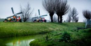 Max Verstappen și Alex Albon, la plimbare prin Olanda, cu… monoposturile de Formula 1!