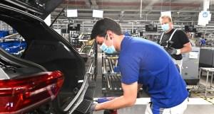 Volkswagen întrerupe producția la uzina de la Wolfsburg, din cauza cererii scăzute