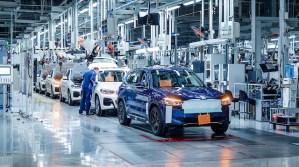 BMW pregătește lansarea producţiei pentru primul său SUV 100% electric, iX3