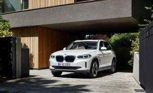 Primul SUV electric de la BMW va fi disponibil pentru precomenzi și în România