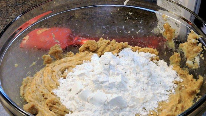 24Bite: Coffee and Spice Bars Recipe by Christian Guzman