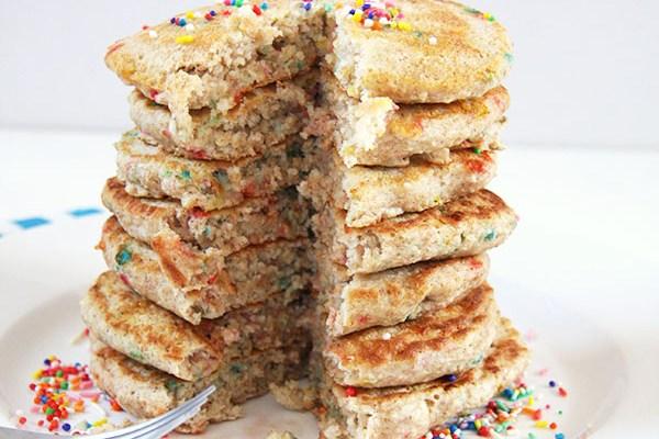 Healthy Funfetti Cake Batter Pancakes