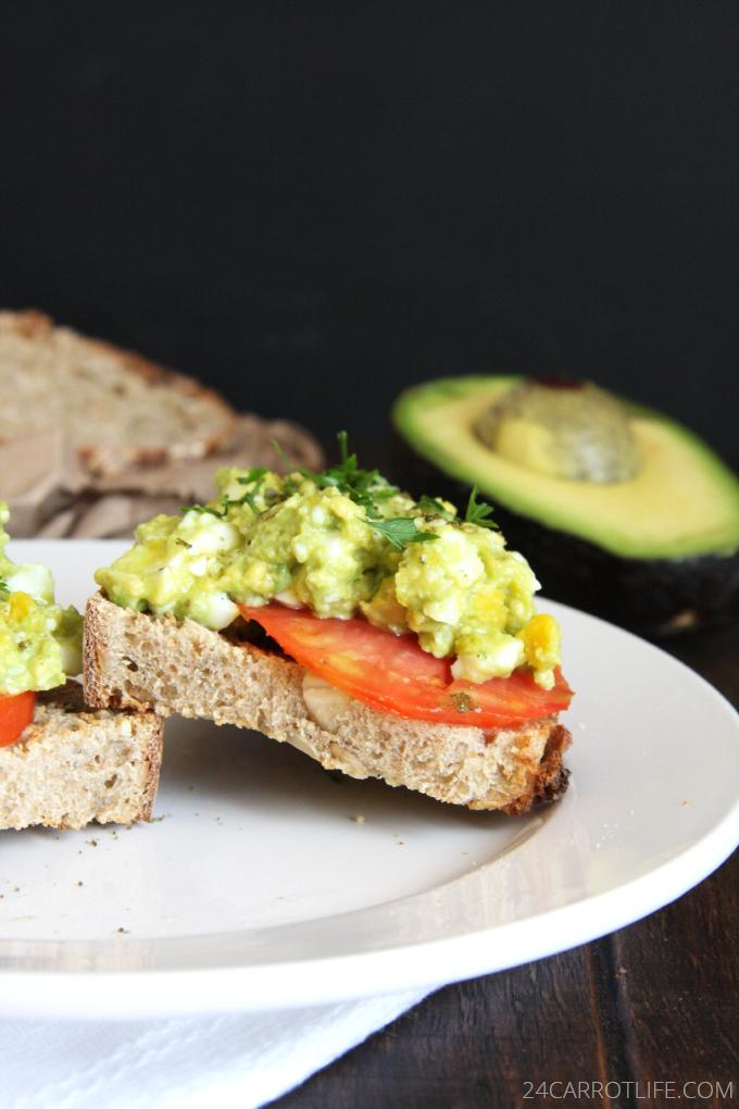 Mashed Avocado Egg Salad // 24 Carrot Life #healthy #avocado