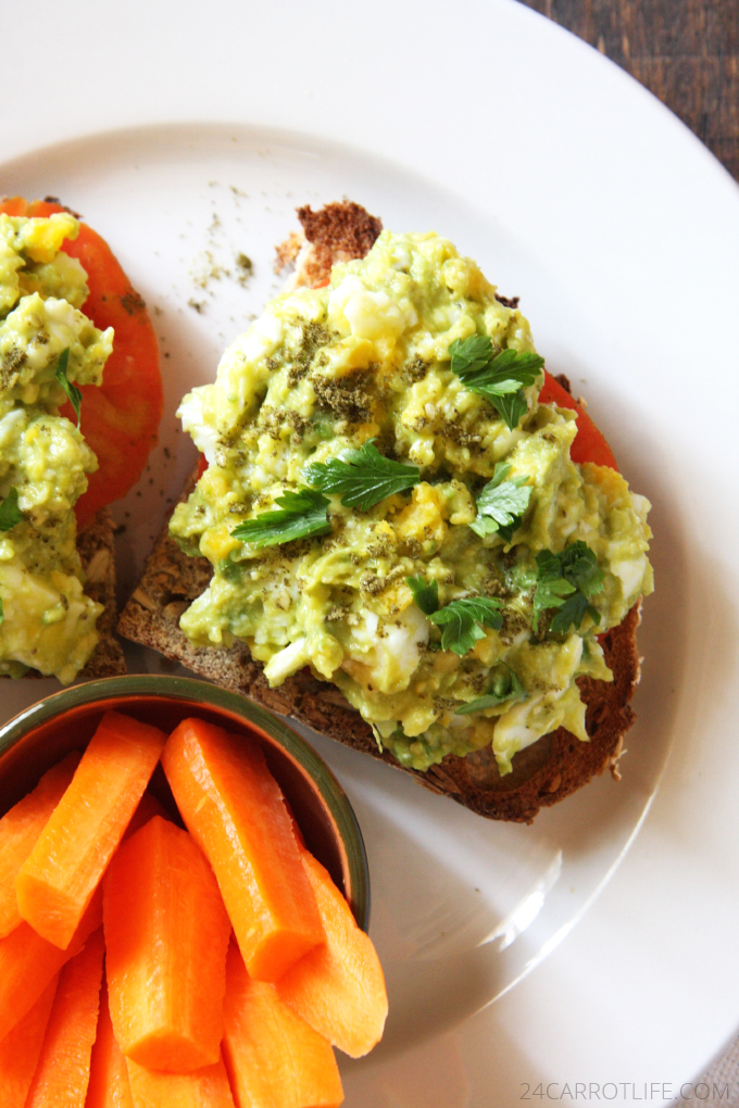 Mashed Avocado Egg Salad // 24 Carrot Life #healthy #avocado