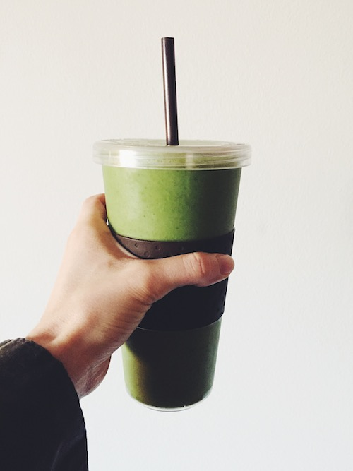 Green Smoothie // 24 carrot Life #eliminationdiet #acne #greensmoothie #vegan