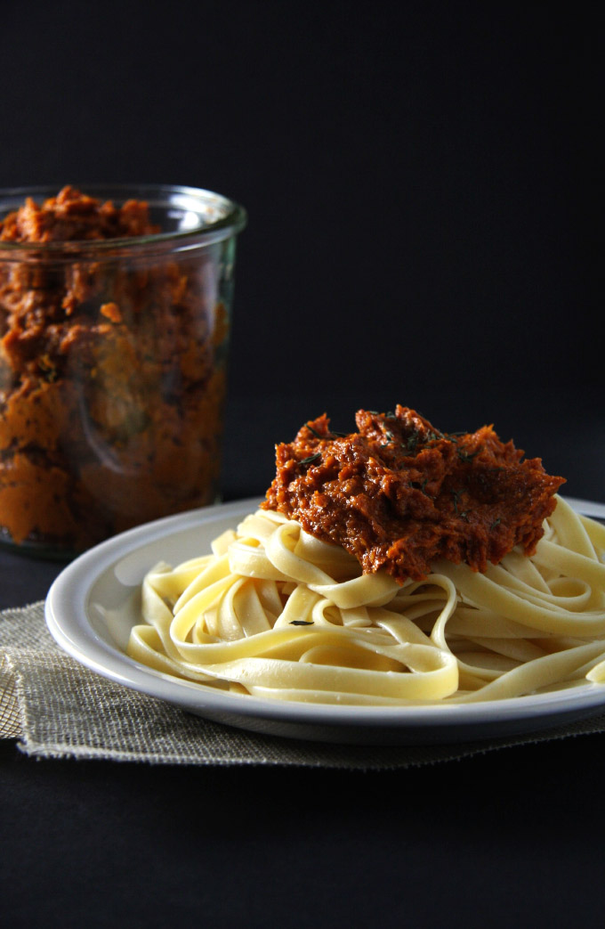 Oven Dried Tomato Pesto Fettucine  // 24 Carrot Life #pasta #tomatoes #healthy #ad
