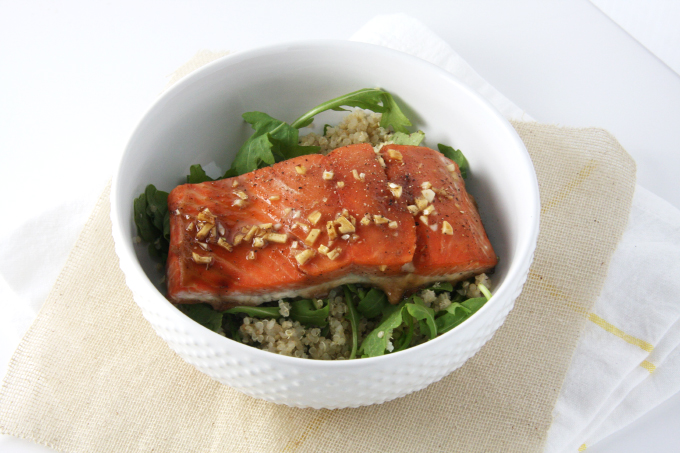Garlic Soy Glazed Salmon // 24 Carrot Life #healthy #salmon #fish