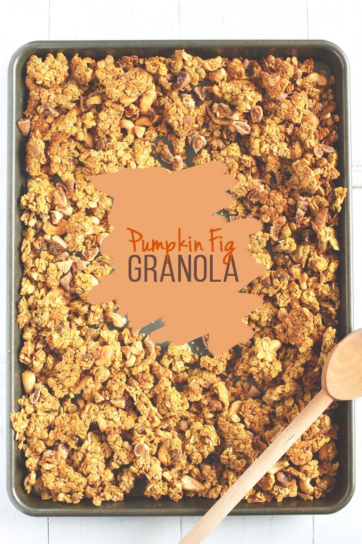 Pumpkin Fig Granola // @24carrotlife #pumpkin #granola #fig #vegan #glutenfree