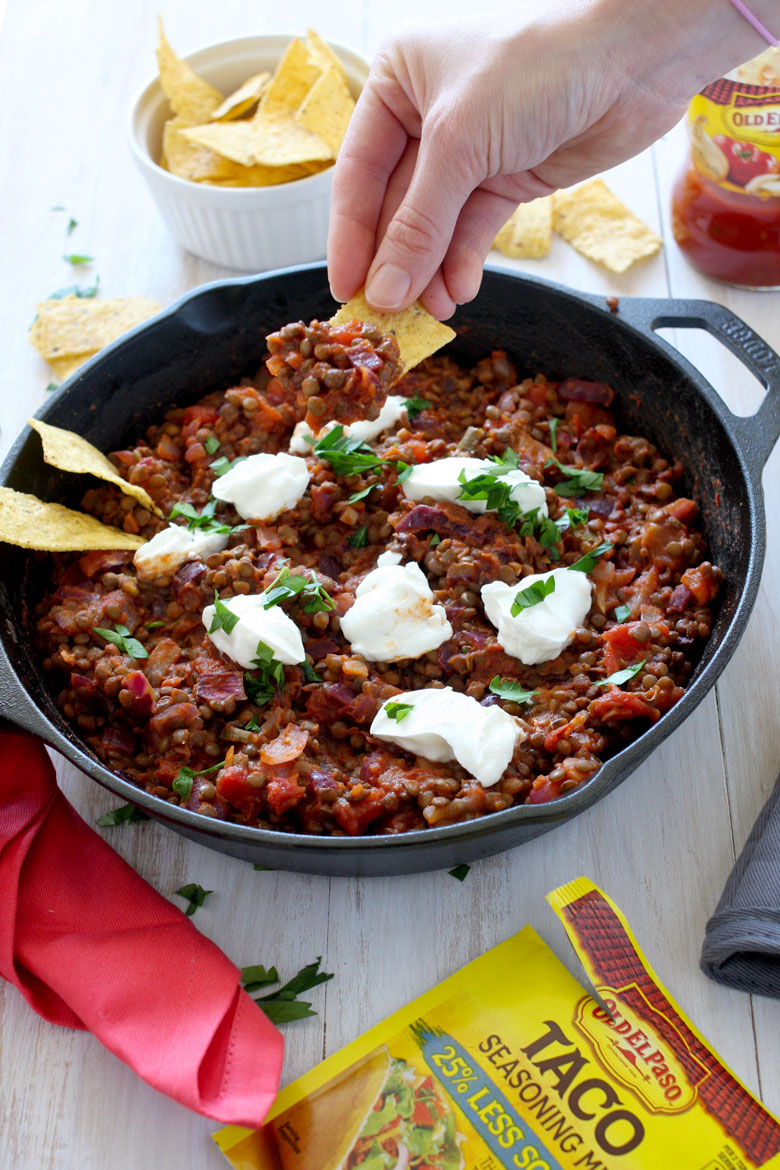 Game Day Lentil Taco Dip // A quick and healthy recipe that is perfect for game day with or without a party. Great eaten on it's own or with chips // 24carrotlife.com #sponsored