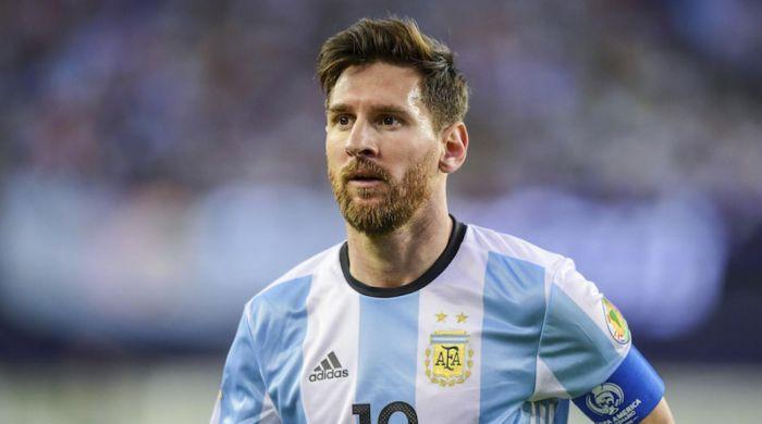 Messi Breaks Pele's International Goals Record