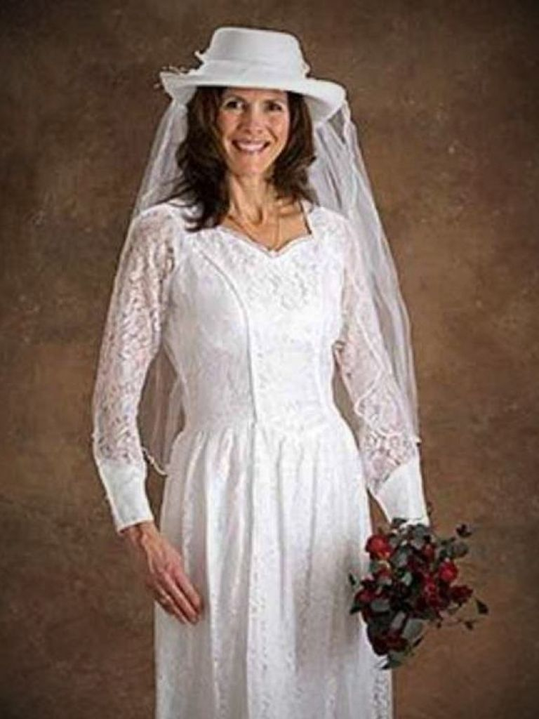 Western Style Wedding Dresses With Cowboy Boots  24 Dressi