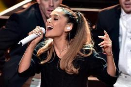 Ariana Grande's Troubling Tweets Have Her Fans Heartbroken