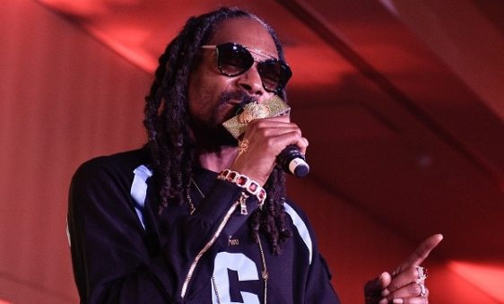 Snoop Dogg Is Using Donald Trump As An Ashtray