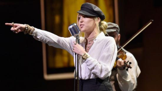 Miley Cyrus Nothing Breaks Like A Heart Lyrics