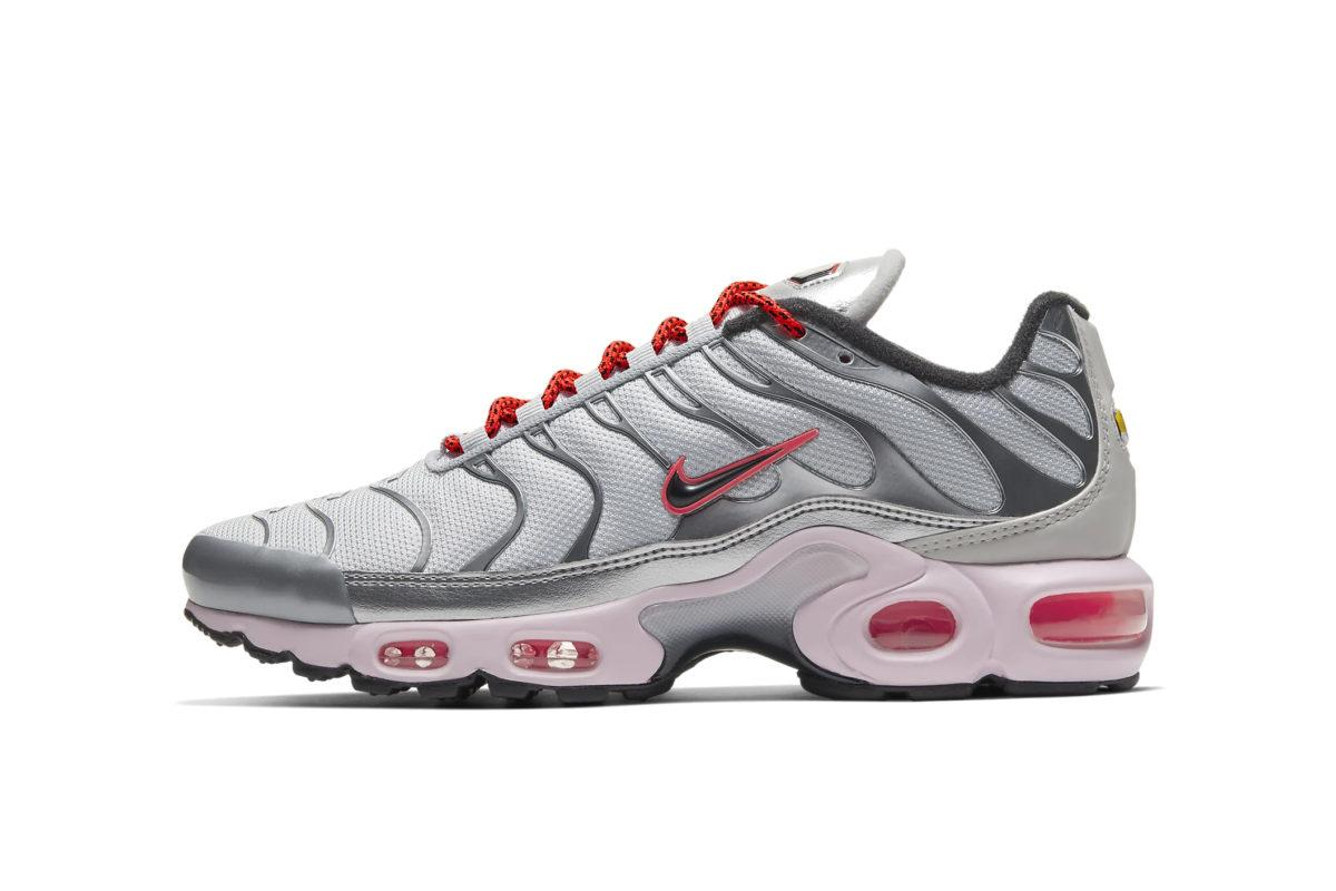 """Peep the """"Pink Foam"""" Accents on Nike's Latest Air Max Plus"""