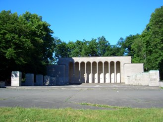 the-nazi-monument-to-the-dead