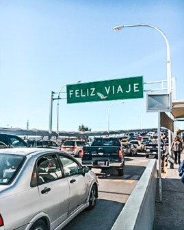 crossing the USA Mexico border El Paso Ciudad Juarez