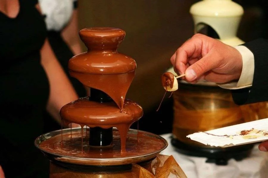 Chocolate Fountain Machine Rental for a Great Valentine's Day Party