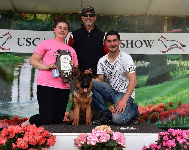 jrm_0055_VP1 A-T Vecca_UScA Sieger Show_May 2015