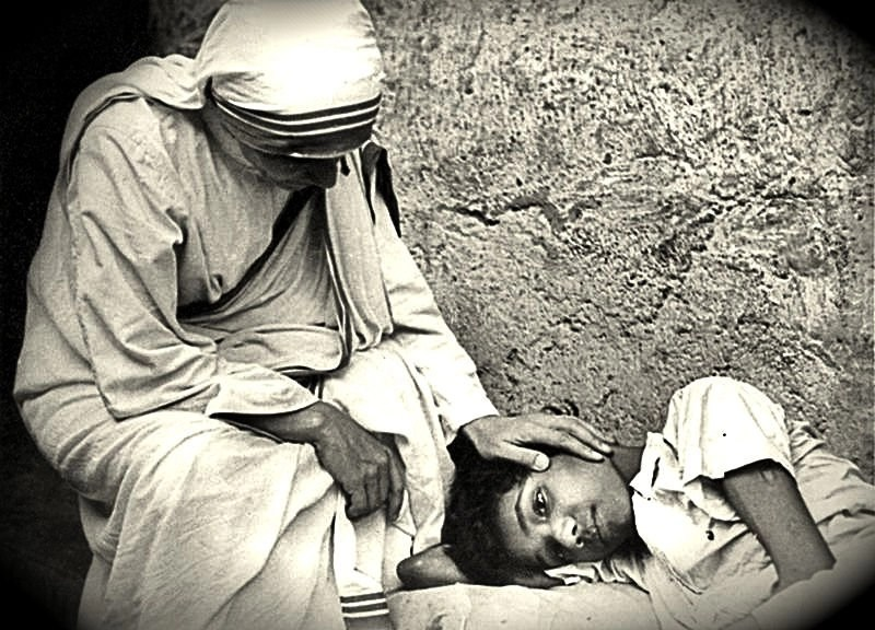 Mother-Teresa-with-Boy