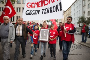 grauewoelfe 200915 6 - Turkish nationalists rally against Kurds and for Erdogans politics against the PKK.
