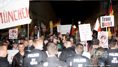pegidamuc 151115 9 - PEGIDA Munich - numbers persist after Paris Attacks