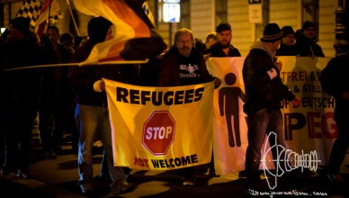"pegida 211215 7 - ""REFUGEES NOT WELCOME"" Flags and ACAB Sweatshirts"