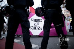Police prevents demonstration from marching