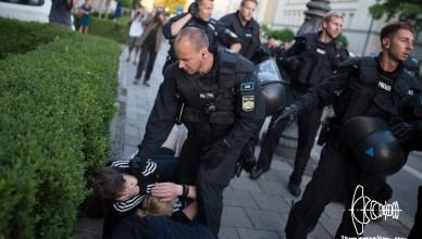 pegida police violence 20160718 18 - PEGIDA starts marching again - police violence errupts