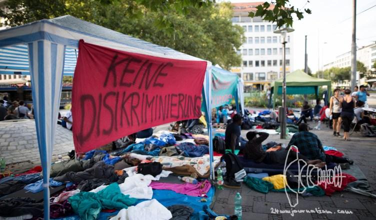 sendltor refugeestrike  12160910 - Non-Citizen Protest at Sendlinger Tor in Munich