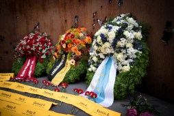 Wreaths by the state of bavaria, the city of Munich and the youth organistation of all labour unions - dgb