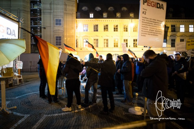 """PEGIDA returns to Odeonsplatz and finishes with videos of Halal slaughtering and racist """"funny"""" videos."""