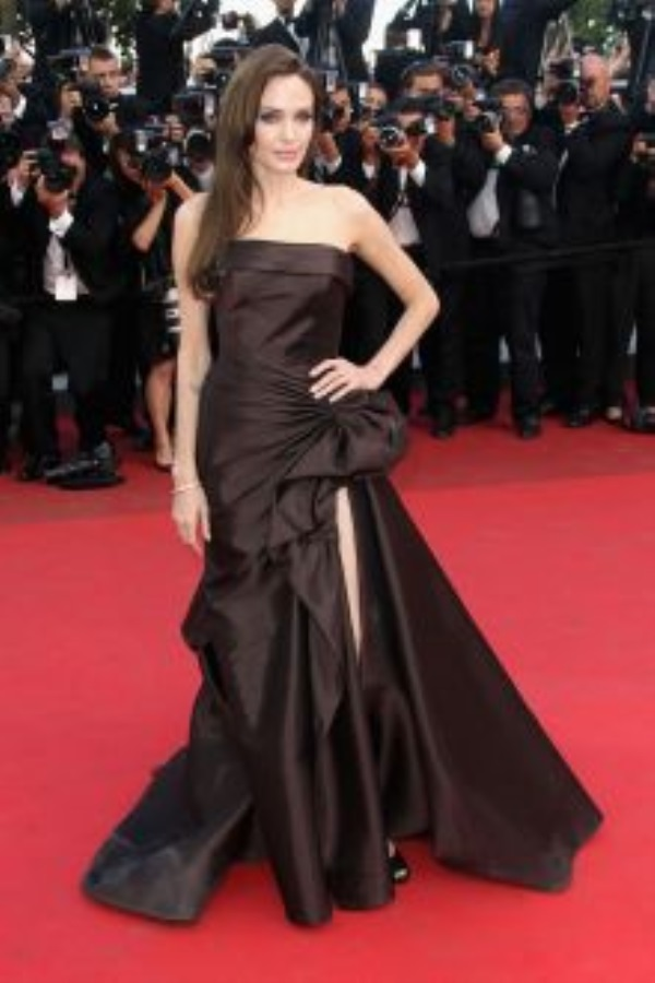 Angelina Jolie dresses 20172018  B2B Fashion