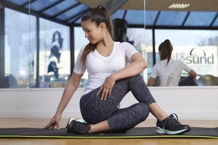 Kvinde gymnastik øvelser