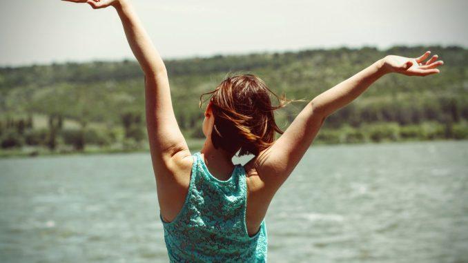 pige glad stranden kvinde