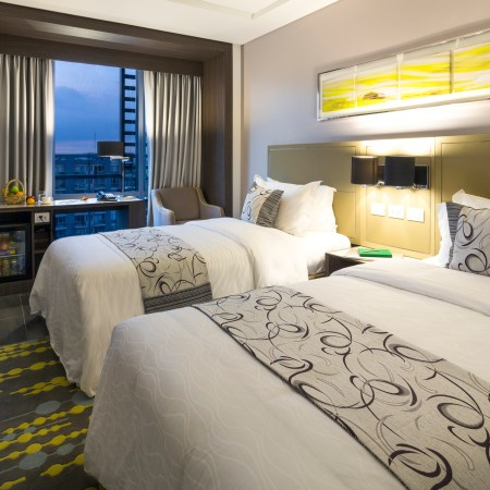 Belmont Hotel - Twin Bed Room